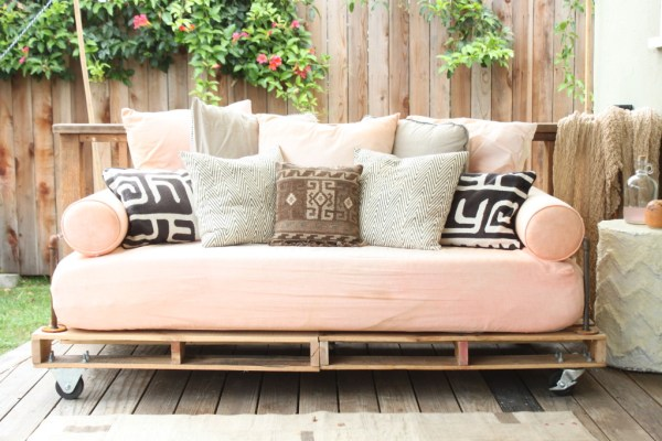 how to build a pallet sofa