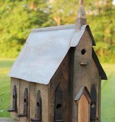 Innovative Pallet birdhouse