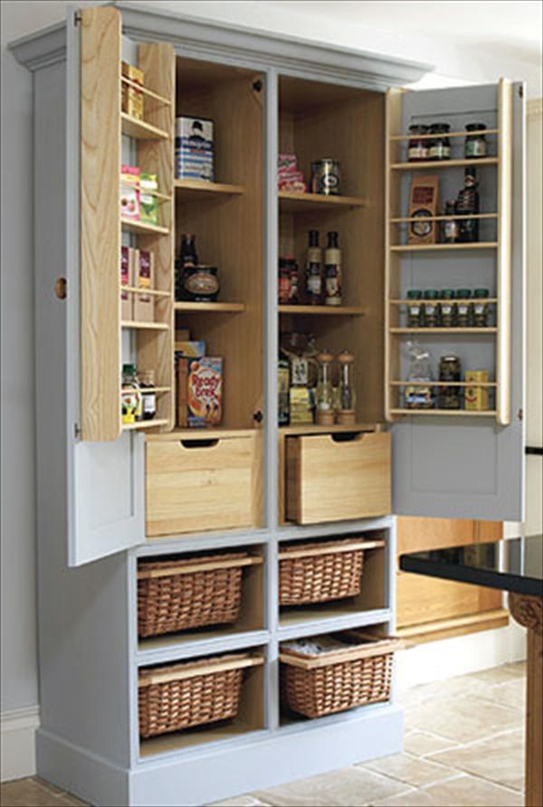DIY organizing kitchen pantry
