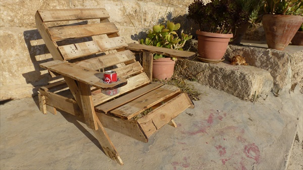 DIY Pallet chair project