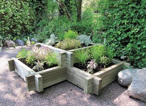 Easy outdoor planters