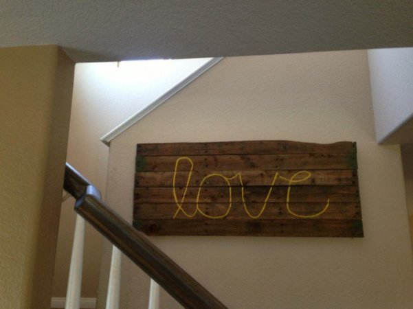 Easy Wood pallet wall decor