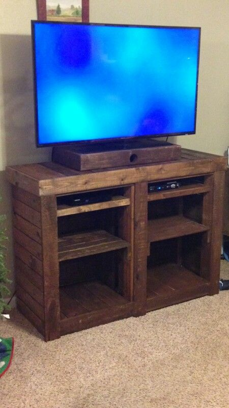 Do It Yourself Pallet Tv Stand Easy Diy And Crafts