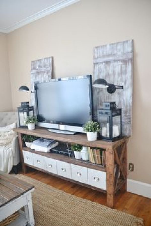 HOW TO MAKE PALLET MEDIA STAND