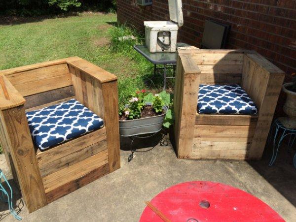 DIY pallet patio furniture plans