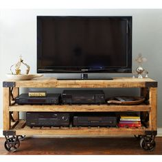 MEDIA STAND MADE FROM RECLAIMED PALLETS