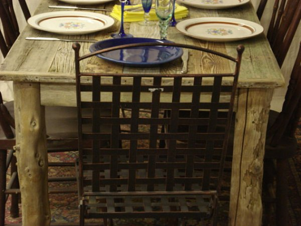 DIY pallet table for dining room