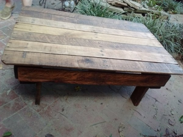 build your own patio pallet furniture