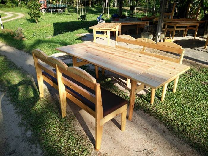 pallet-outdoor-dining-table