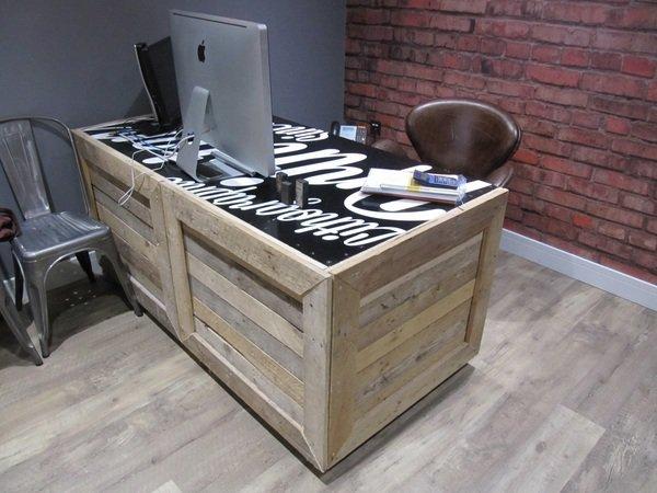 DIY Rustic pallet desk