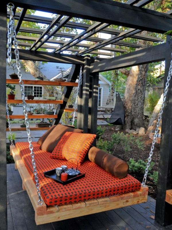 awesome diy pallet daybed