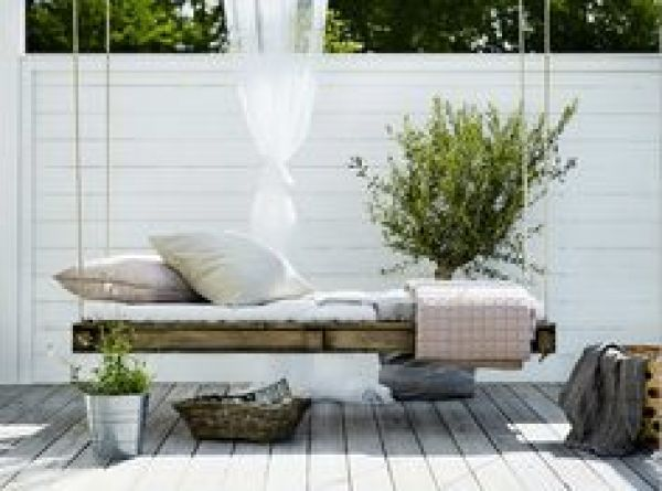 awesome diy pallet daybed2