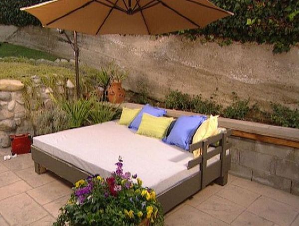 how to build an oudoor daybed