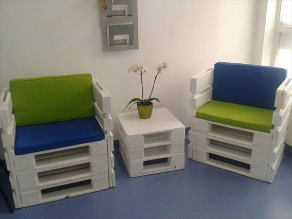 DIY white pallet chairs