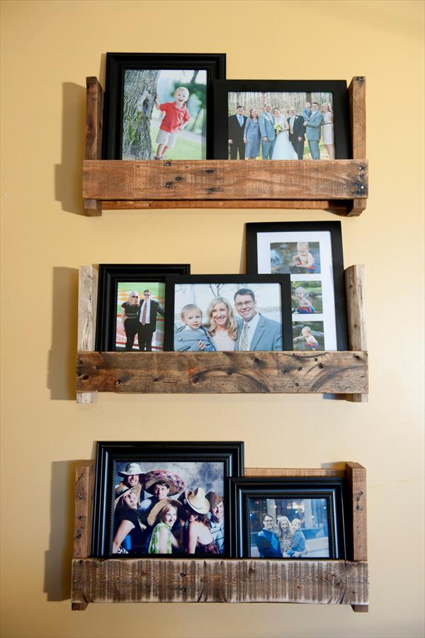 DIY Family Pictures Paller Shalves