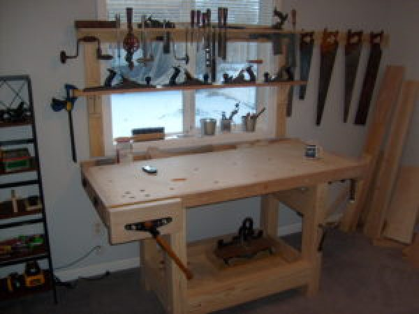 DIY Desk For Tools