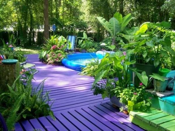 DIY Garden Pallet Deck