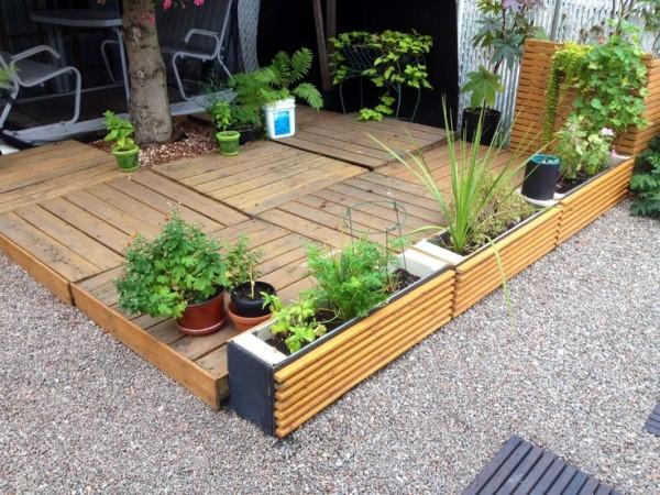 DIY Wooden Pallet Deck