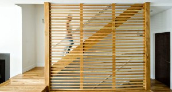 DIY easy pallet room divider instructions
