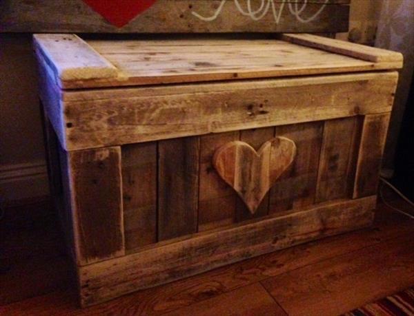 DIY Old Romantic Chest