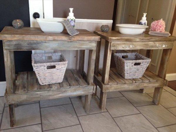 DIY Wooden Pallet Bathroom