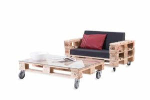 DIY Movable Pallet Furniture
