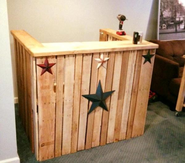DIY Pallet Bar Ideas