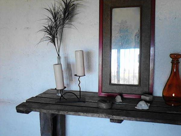 DIY Old Pallet Mirror