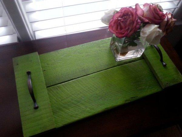 DIY Green Pallet Tray