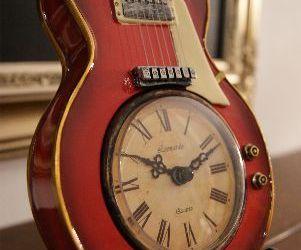 Wooden Guitar Clock