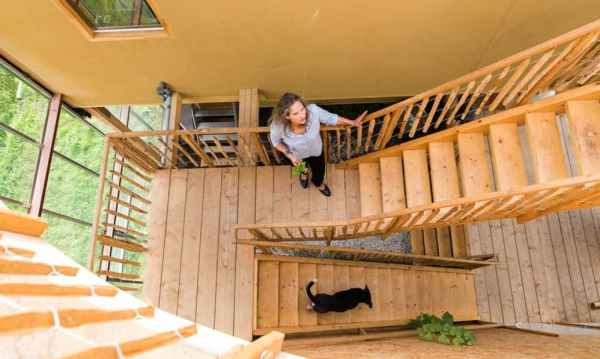 stairs build from wooden pallets