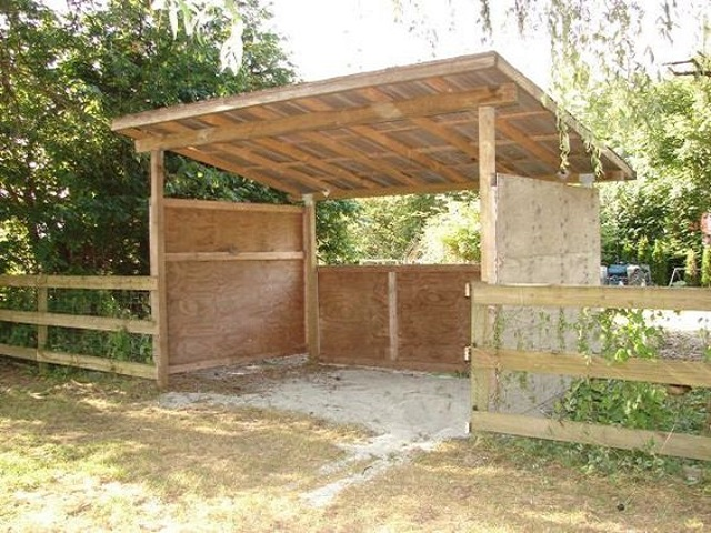 Miniature Horse Shelter : Inexpensive mini horse shelters barns easy diy and crafts