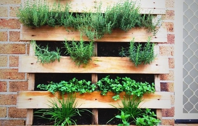homemade pallet planter
