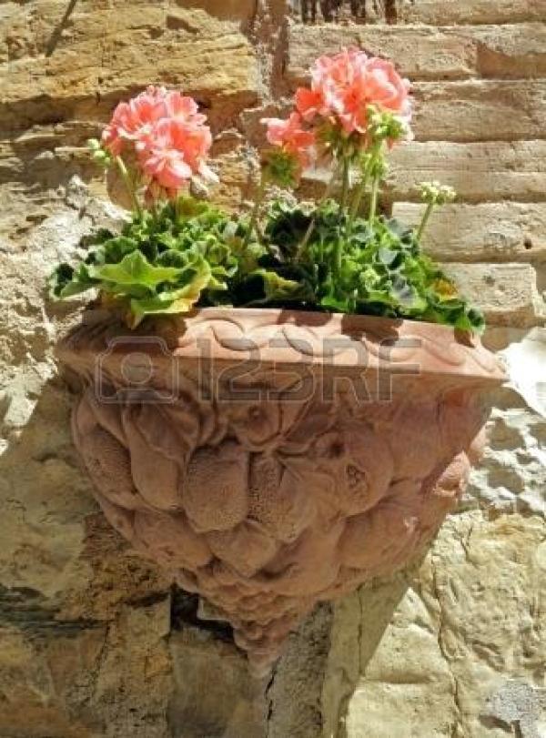 DIY hanging clay pot