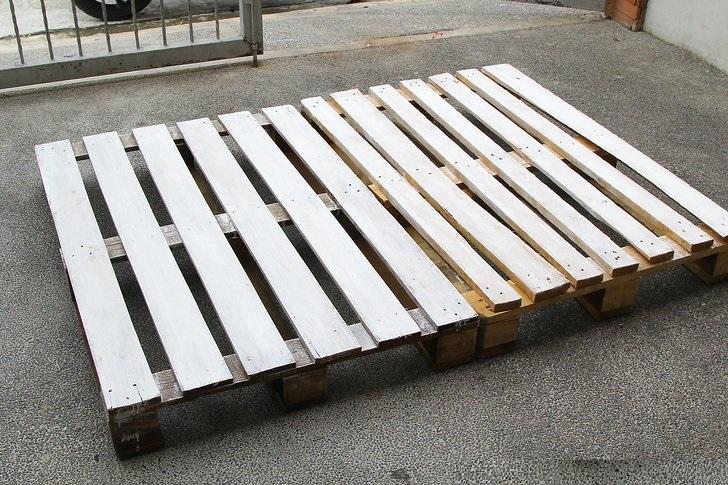 DIY Palllet Frame Bed