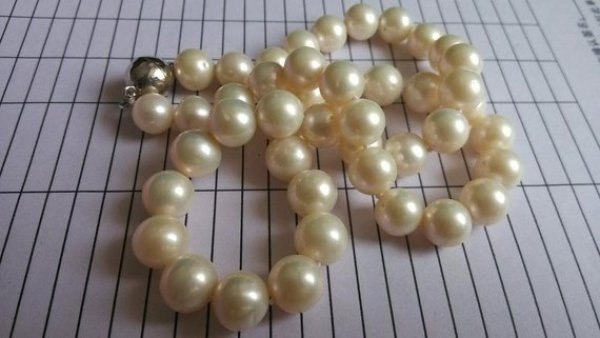 HANDMADE PEARL NECKLACE