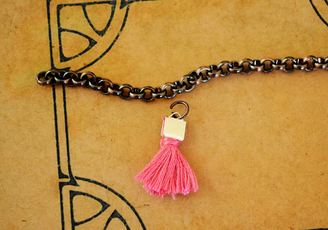 DIY Jewelry Tiny Tassel Bracelet DIY