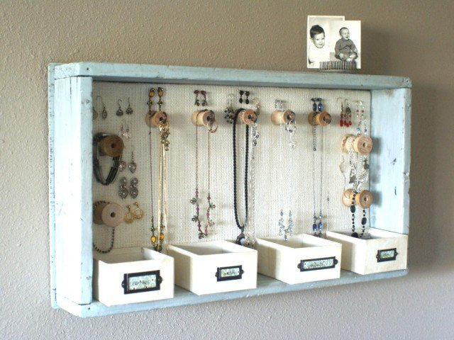 Wooden-Jewelry-Organizer