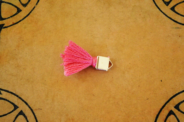 DIY craft Tiny Tassel Bracelet