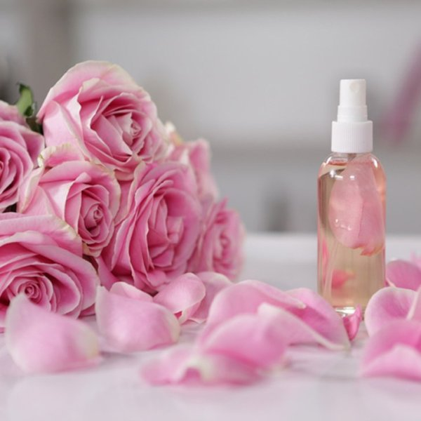 HOMEMADE ROSE WATER FOR BEAUTY