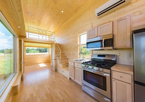 HOW TO BUILD A WOOD TINY HOUSE