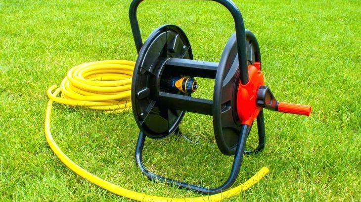 put a hose on a hose reel