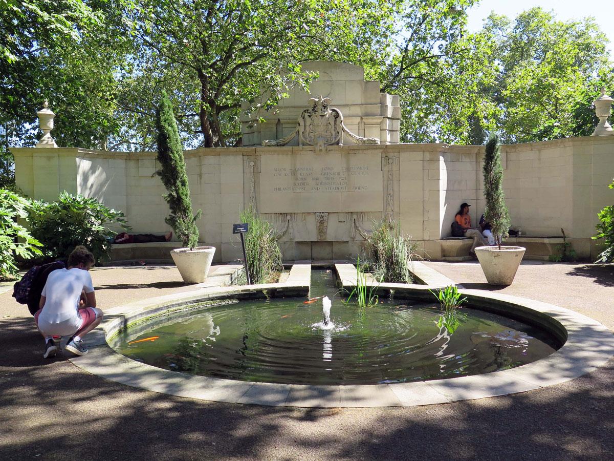 Monument to Lord Cheylesmore