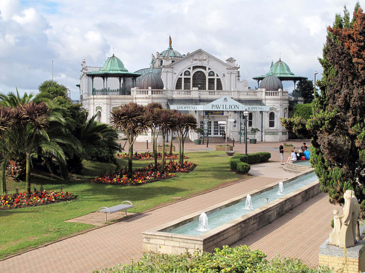 The Pavilion and Cary's Green before the rot set in