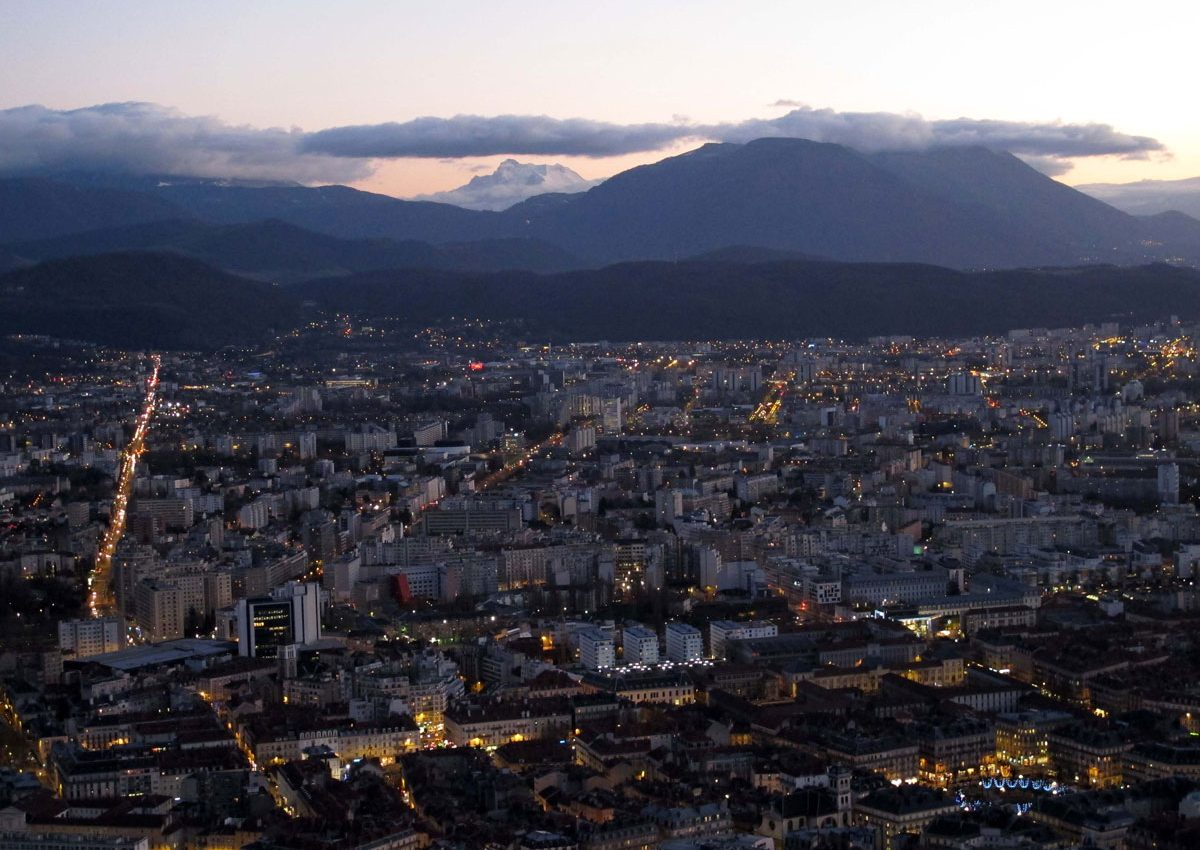 023-Grenoble-at-Lighting-up-Time