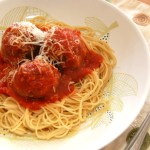 Easy and Delicious Meatballs with Spinach
