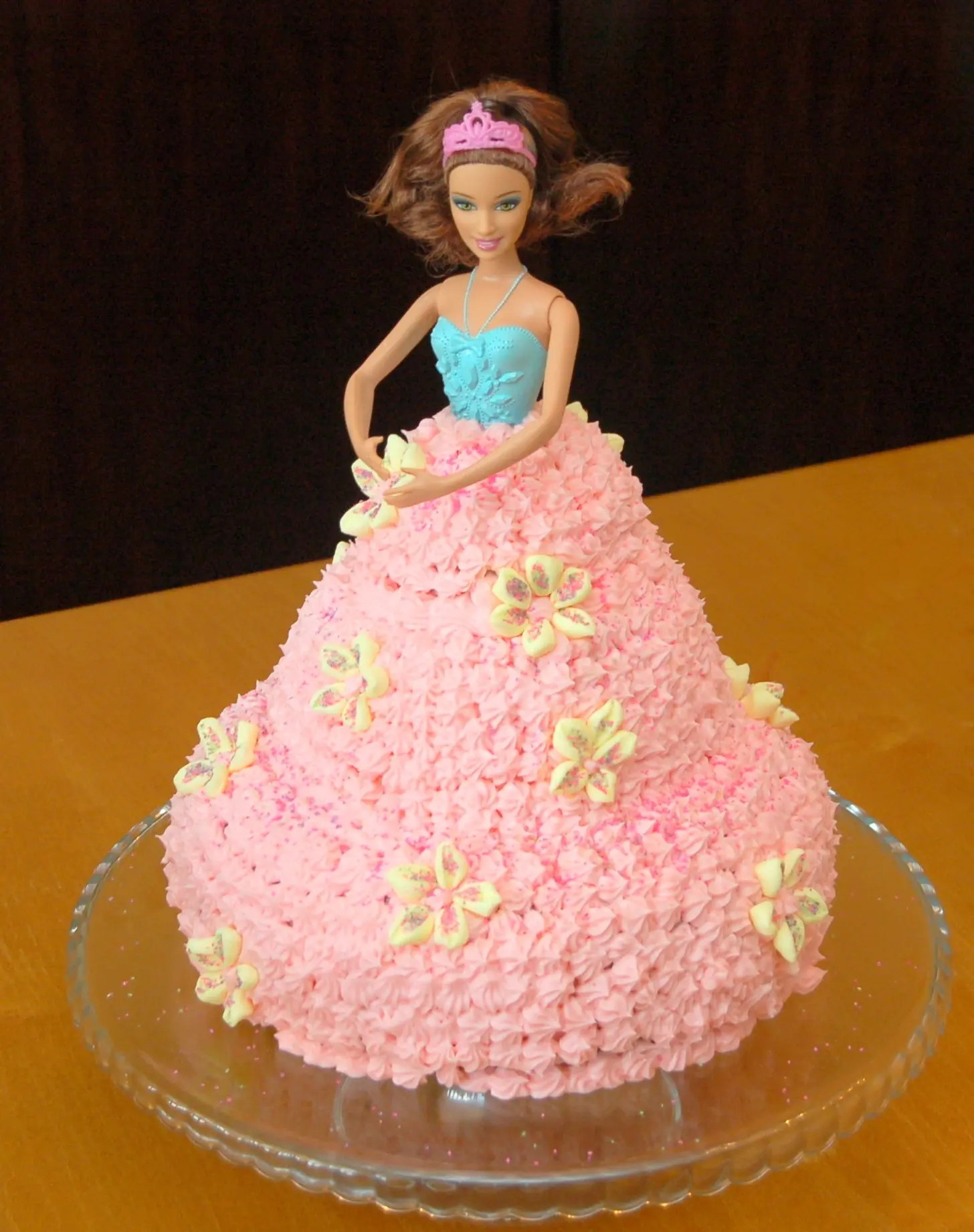 How to make a Barbie Cake – It's easier than you think!