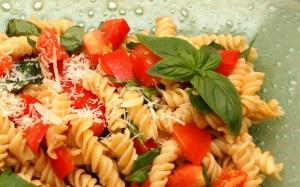 Fresh Tomato and Basil Pasta Salad