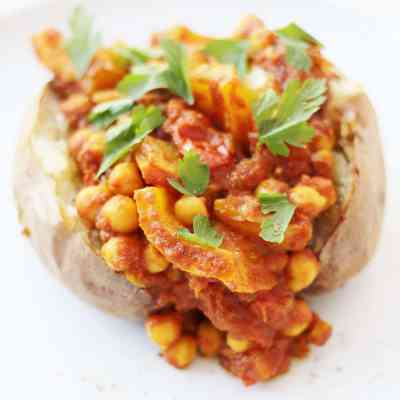 Baked Potatoes with Spicy Chickpea Stew (Vegan)