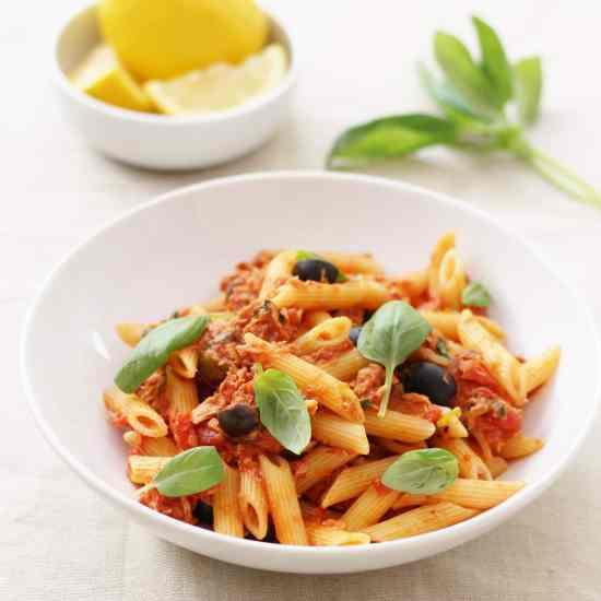 Easy Sicilian Style Tuna Pasta AKA Pasta Puttanesca